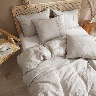 Oatmeal linen bedding