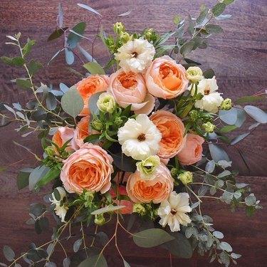peach garden roses trader joe's arrangement