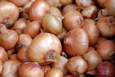 yellow onion pile