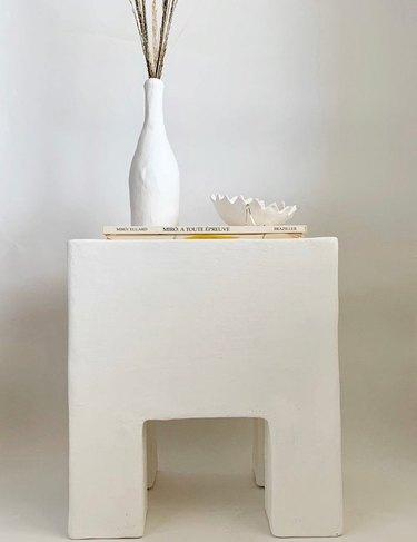 side plaster table