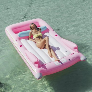 FUNBOY Retro Pink Convertible Pool Float