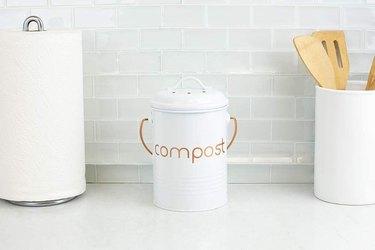 countertop compost bin with brass handle