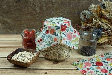 compostable beeswax food wrap
