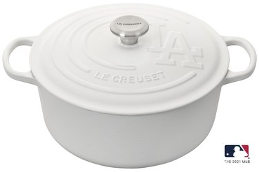 le creuset x mlb los angeles dodgers dutch oven in white