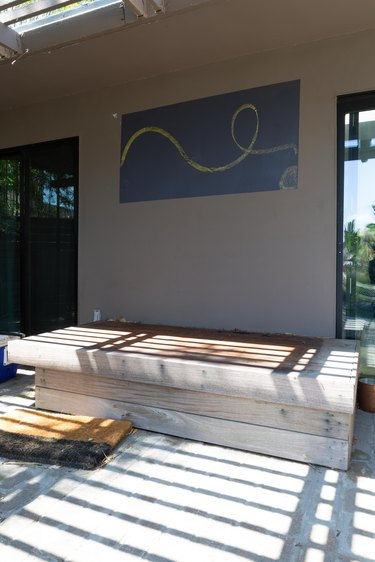 Outdoor daybed before refresh