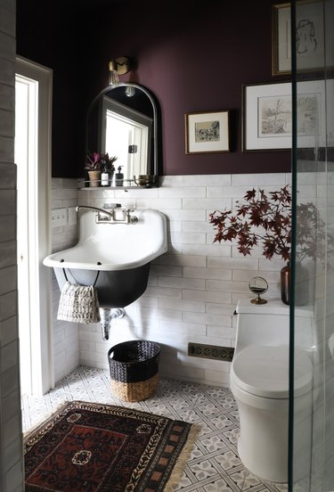 purple bathroom design in small bathroom