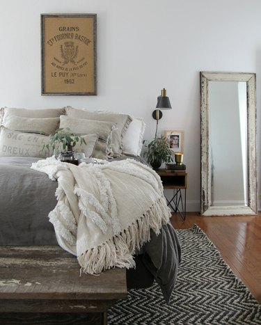 Farmhouse Chic Bedroom Ideas with  height mirror