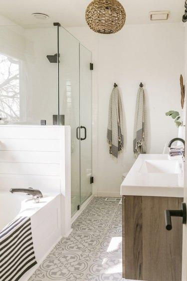 minimal boho farmhouse bathroom