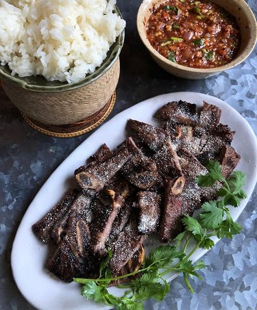 viet World Kitchen Crying Tiger Thai Grilled Beef With Spicy Roasted Tomato Sauce (Suea Ronghai)