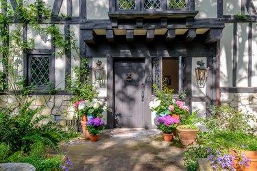 ariana grande montecito house front door