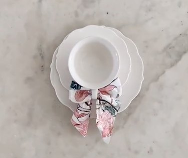 tiktok napkin bow teacup hack