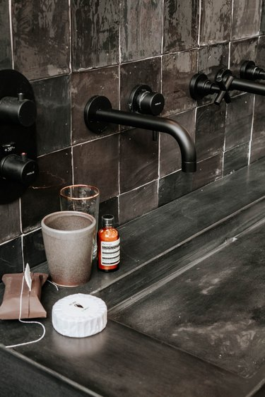 industrial bathroom backsplash tile