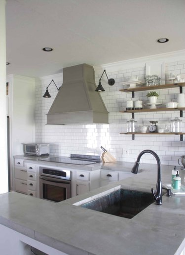 DIY concrete kitchen countertop