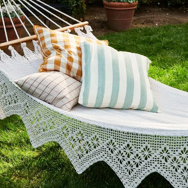 hammock with pillows