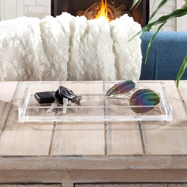 clear acrylic tray with rubber grips
