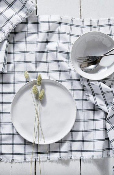 Plaid Napkin in White and Black