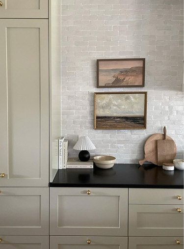 greige kitchen with petite table lamp
