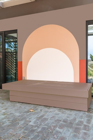 Outdoor daybed after painting