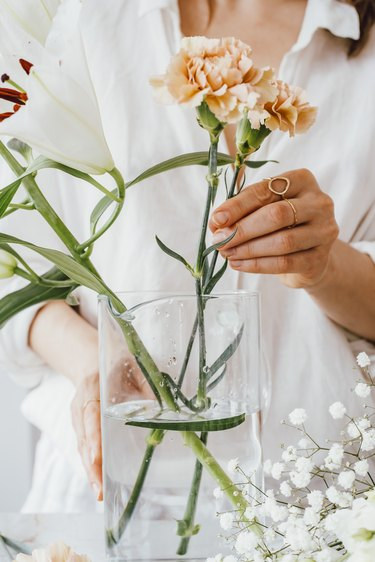 Put flowers in water immediately after cutting the stems
