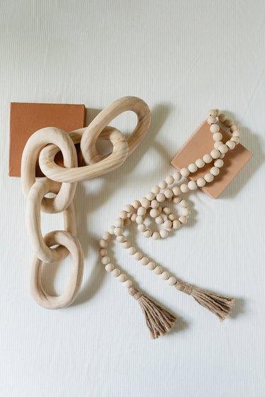 wood chain link decor garland
