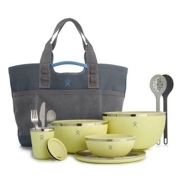 glamping-packing-list-dinnerware