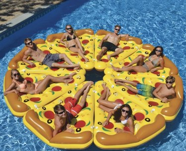 Molleos Giant Inflatable Pizza Slice