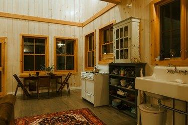 Floor-to-ceiling kitchen shiplap