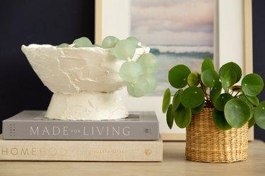 DIY decorative plaster bowl