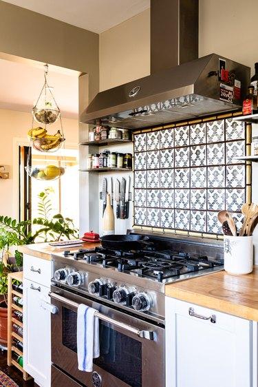 Kitchen with patterned tile backsplash
