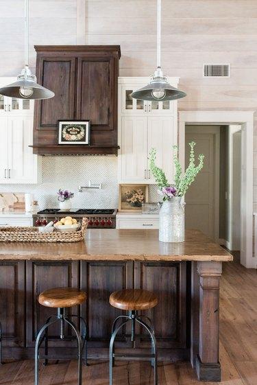 Leah Ashley's farmhouse kitchen
