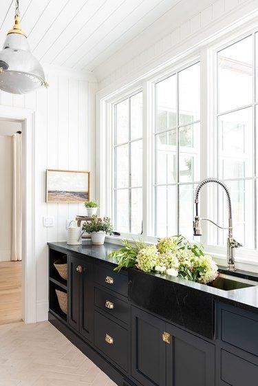white shiplap kitchen idea with balck sink