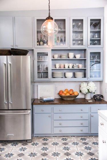 Blue farmhouse kitchen by Wick Design