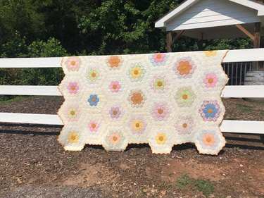 Etsy Toots and Stitches Vintage Floral Garden Quilt