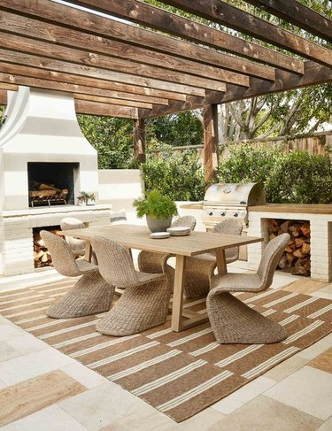 outdoor area with wooded pergola