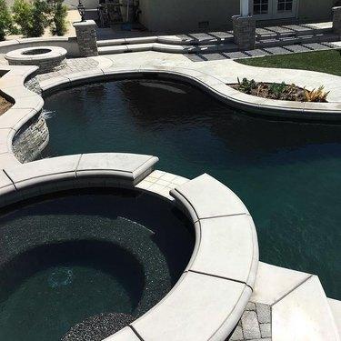 Black bottom pool trend