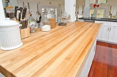 maple kitchen counter