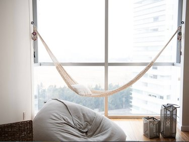 saul indoor hammock