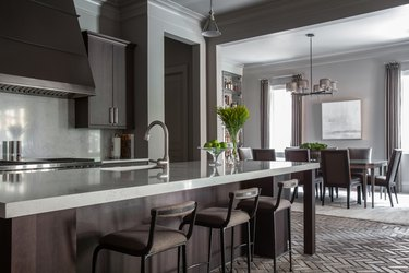 Neutral color palette in kitchen by Marie Flanigan Interiors