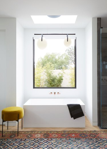 minimalist decorating idea for bathroom