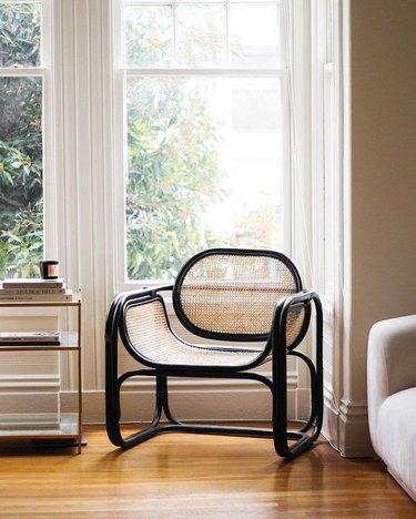 minimalist decorating idea in living room