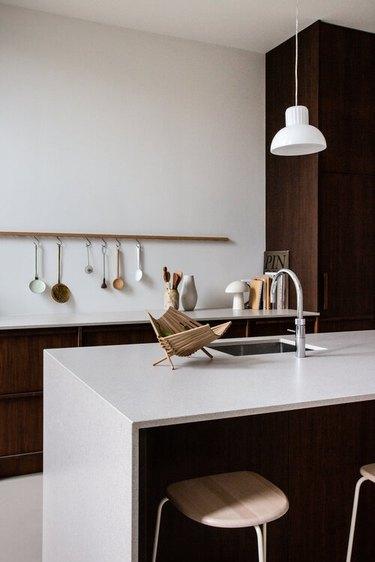 minimalist decorting idea in the kitchen