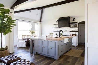 Modern craftsman style kitchen