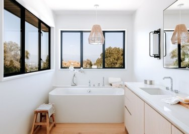 8 Scandinavian Bathroom Lighting Ideas That Are Instant Mood Boosters