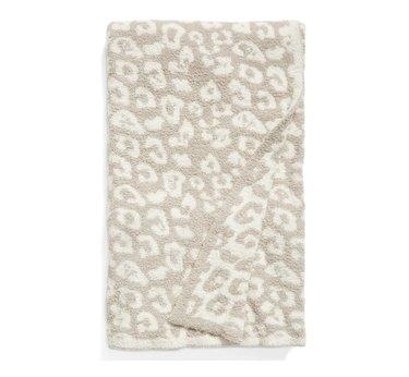 Animal print fluffy blanket