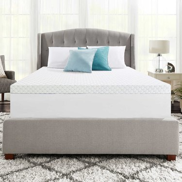 bed with cooling mattress topper