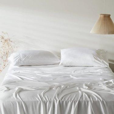 White Ettitude bedding