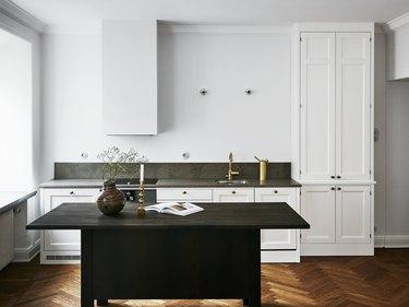Herringbone Flooring: Choosing The Right Pattern For Your Hardwood Floors