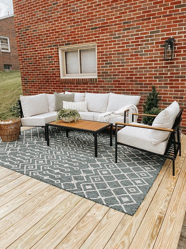 Learn how to build your own DIY deck patio.