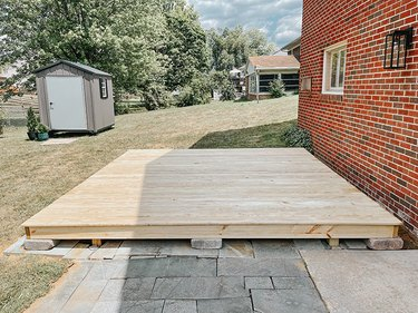Allow the deck to dry out.