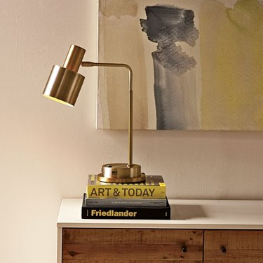 SpringHill Suites Cylinder Task Lamp With USB Charger
